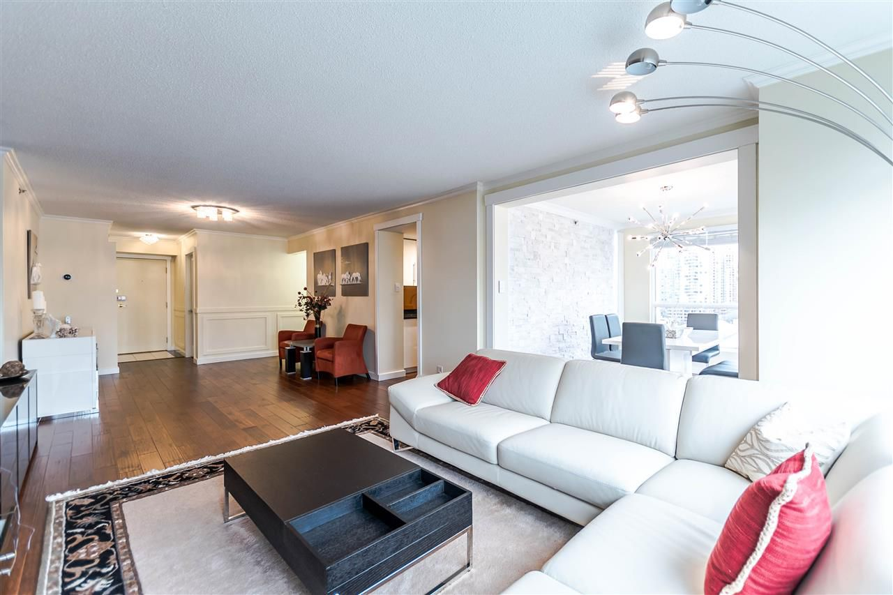 Main Photo: 1306 283 DAVIE Street in Vancouver: Yaletown Condo for sale (Vancouver West)  : MLS®# R2142079