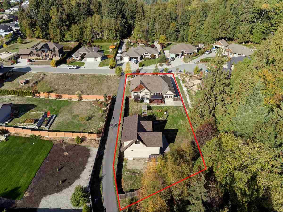 "Main Photo: 5005 BAY Road in Sechelt: Sechelt District House for sale in ""Davis Bay"" (Sunshine Coast)  : MLS®# R2217861"