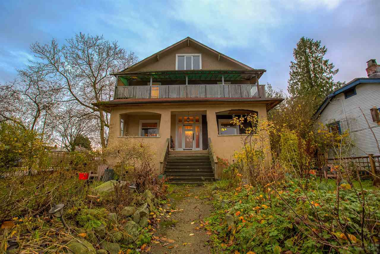 Main Photo: 2798 YALE Street in Vancouver: Hastings East House for sale (Vancouver East)  : MLS®# R2222270
