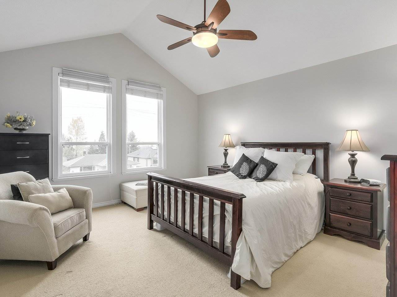 Photo 11: Photos: 658 E 4TH STREET in North Vancouver: Queensbury House for sale : MLS®# R2222993
