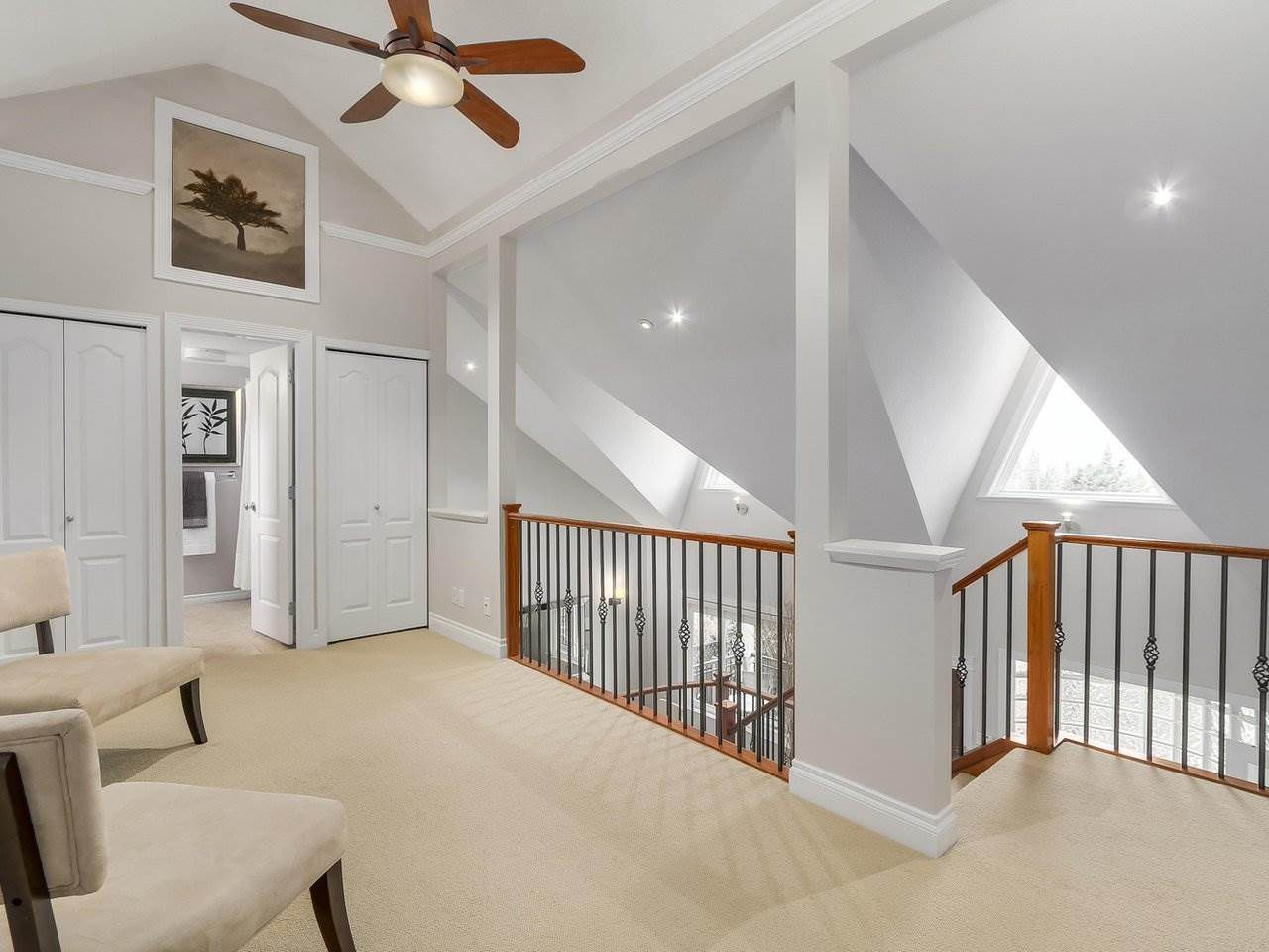 Photo 8: Photos: 658 E 4TH STREET in North Vancouver: Queensbury House for sale : MLS®# R2222993