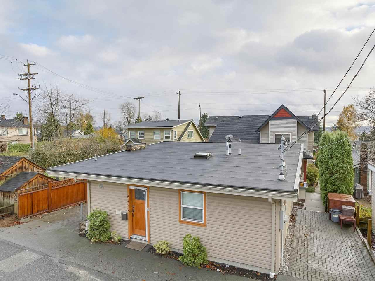 Photo 19: Photos: 658 E 4TH STREET in North Vancouver: Queensbury House for sale : MLS®# R2222993