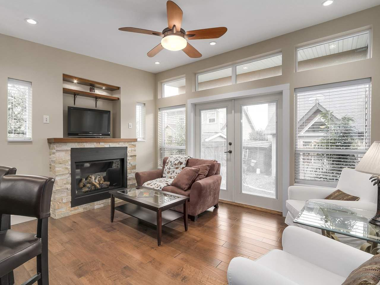 Photo 18: Photos: 658 E 4TH STREET in North Vancouver: Queensbury House for sale : MLS®# R2222993