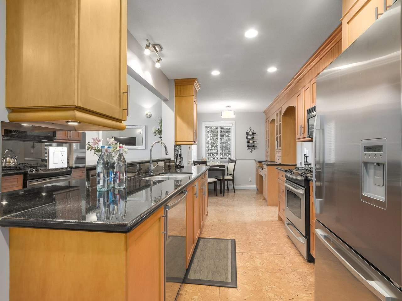 Photo 7: Photos: 658 E 4TH STREET in North Vancouver: Queensbury House for sale : MLS®# R2222993