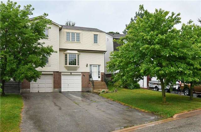 Main Photo: 28 Lakeview Court: Orangeville House (2-Storey) for sale : MLS®# W4183301