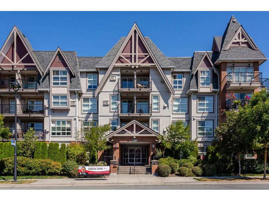 "Main Photo: 101 17769 57 Avenue in Surrey: Cloverdale BC Condo for sale in ""Clover Downs Estates"" (Cloverdale)  : MLS®# R2294746"