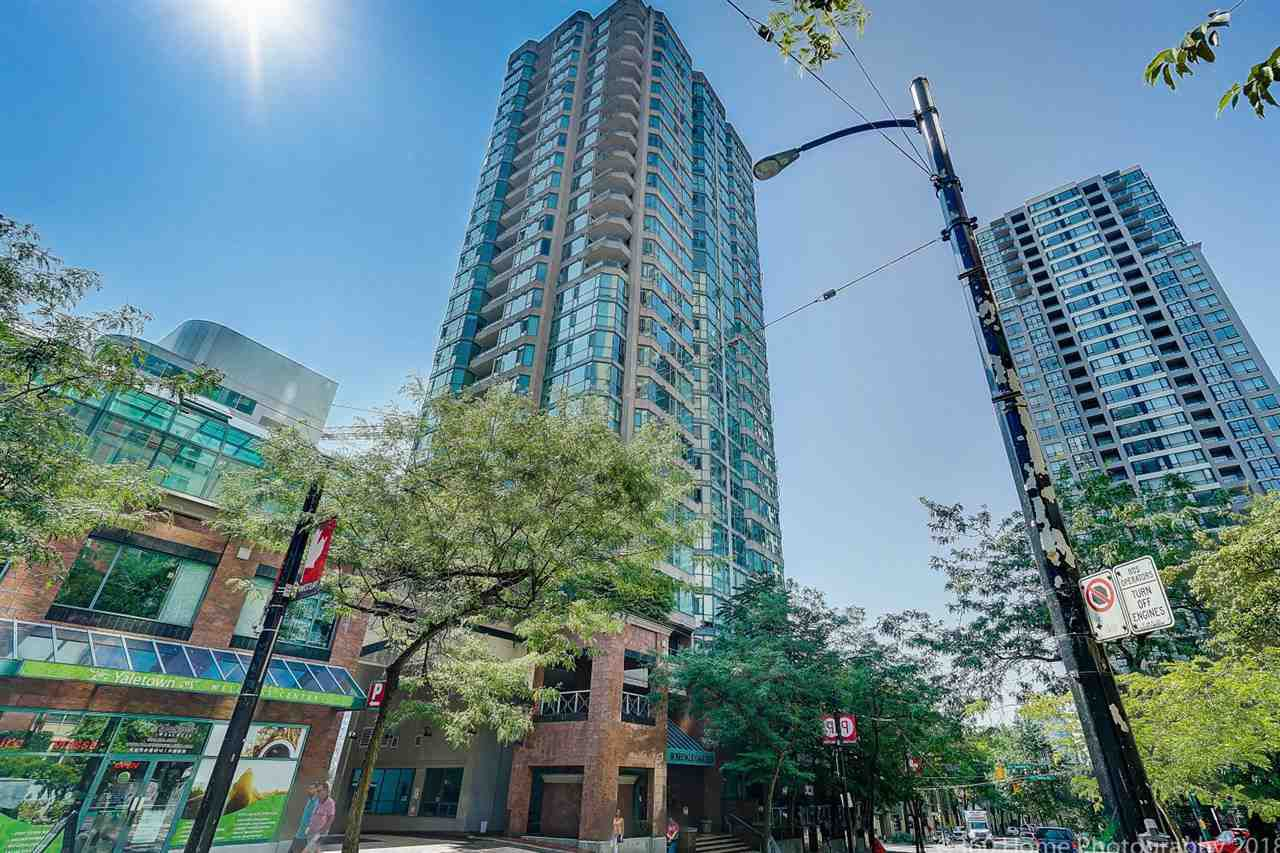 "Main Photo: 1704 888 HAMILTON Street in Vancouver: Downtown VW Condo for sale in ""ROSEDALE GARDEN"" (Vancouver West)  : MLS®# R2304603"