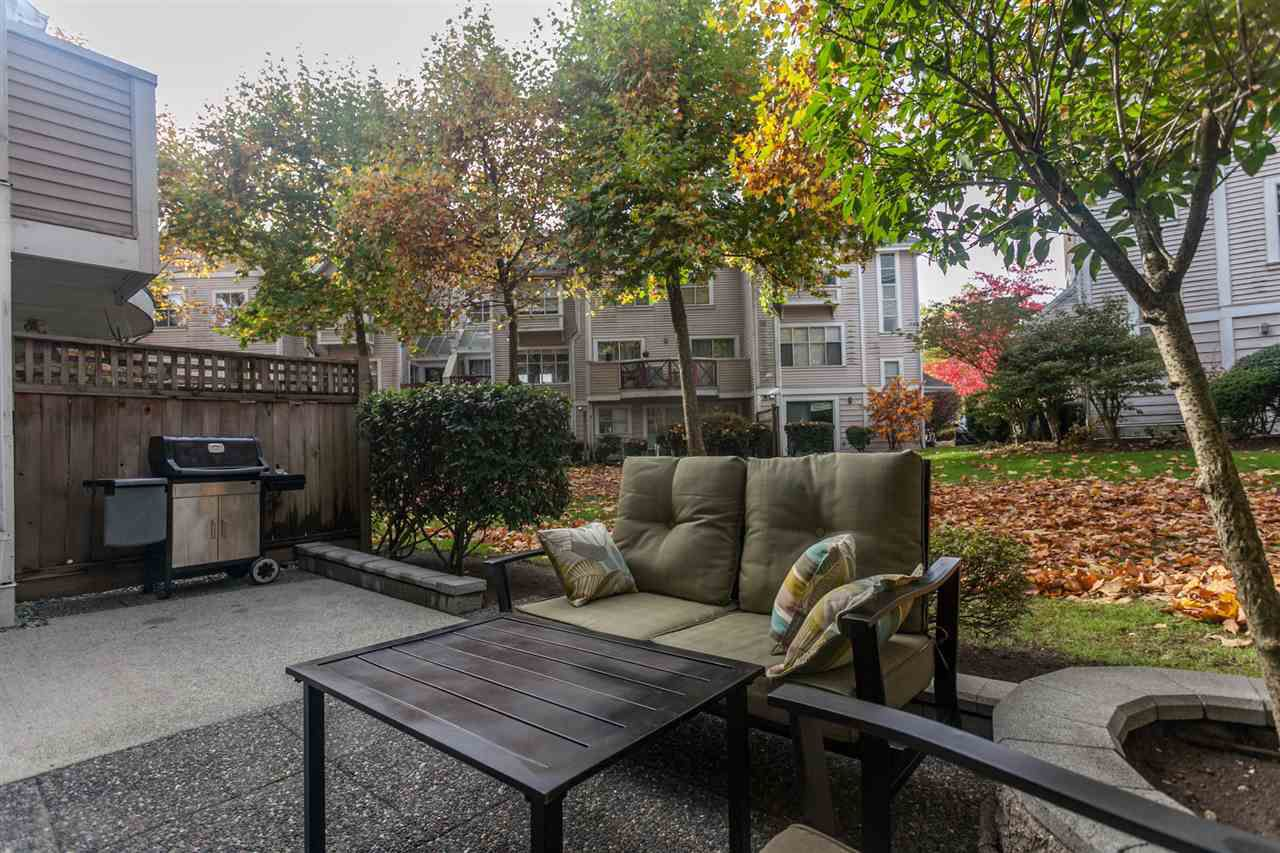 """Main Photo: 72 2450 HAWTHORNE Avenue in Port Coquitlam: Central Pt Coquitlam Townhouse for sale in """"Country Park Estates"""" : MLS®# R2326075"""