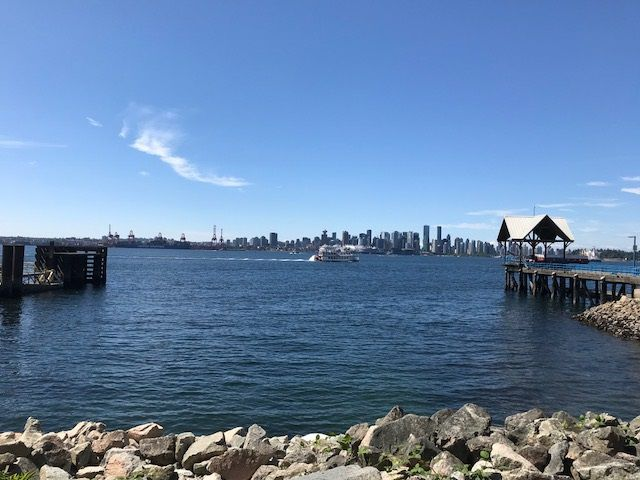 """Main Photo: 3310 33 CHESTERFIELD Place in North Vancouver: Lower Lonsdale Condo for sale in """"HARBOUR VIEW"""" : MLS®# R2339927"""