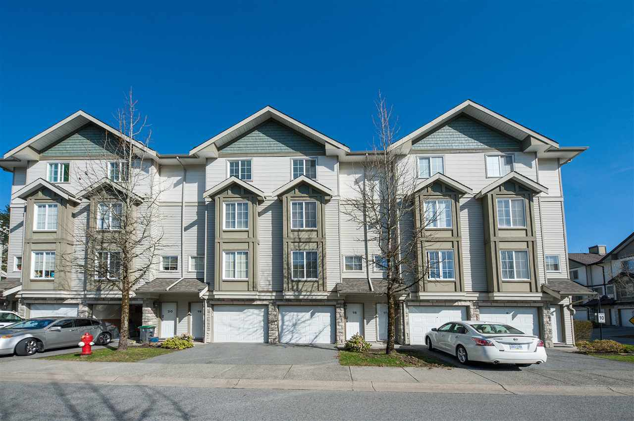 Main Photo: 18 14855 100 Street in Surrey: Guildford Townhouse for sale (North Surrey)  : MLS®# R2353624