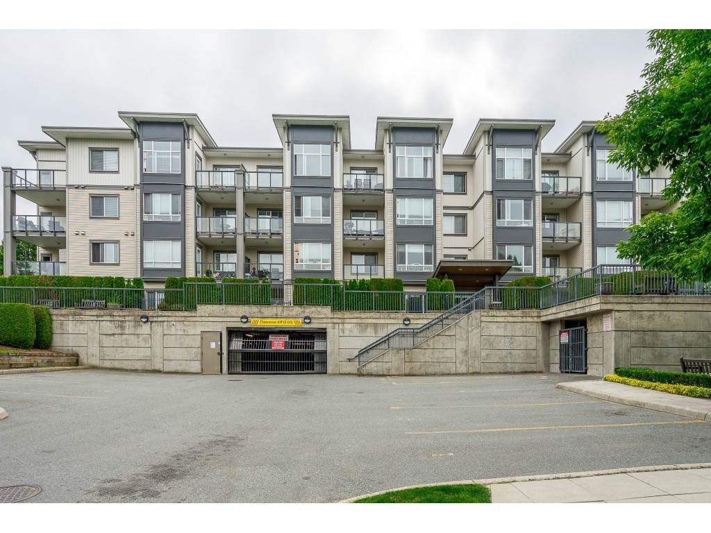 "Main Photo: 213 2943 NELSON Place in Abbotsford: Central Abbotsford Condo for sale in ""Edgebrook"" : MLS®# R2374514"