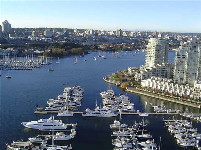 """Main Photo: 3207 1033 MARINASIDE Crescent in Vancouver: Yaletown Condo for sale in """"QUAYWEST"""" (Vancouver West)  : MLS®# V896467"""