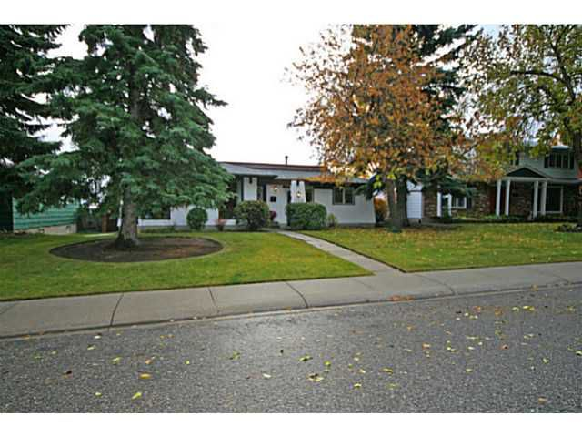 Welcome to 1110 Lake Christina Way.  Lots more photos here: http://www.preptours.ca/gallery/11719