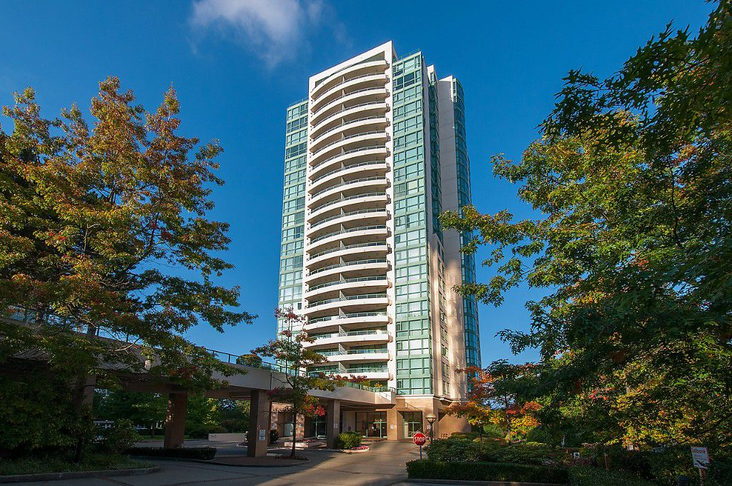 "Main Photo: 2204 5833 WILSON Avenue in Burnaby: Central Park BS Condo for sale in ""PARAMOUNT I"" (Burnaby South)  : MLS®# V1088635"