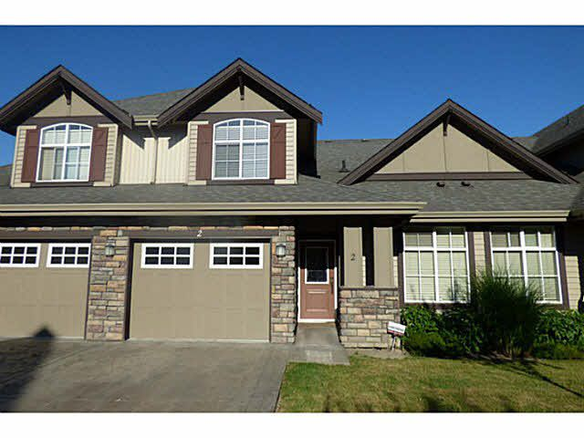 """Main Photo: 2 6577 SOUTHDOWN Place in Sardis: Sardis East Vedder Rd Townhouse for sale in """"Harvest Square"""" : MLS®# R2058779"""