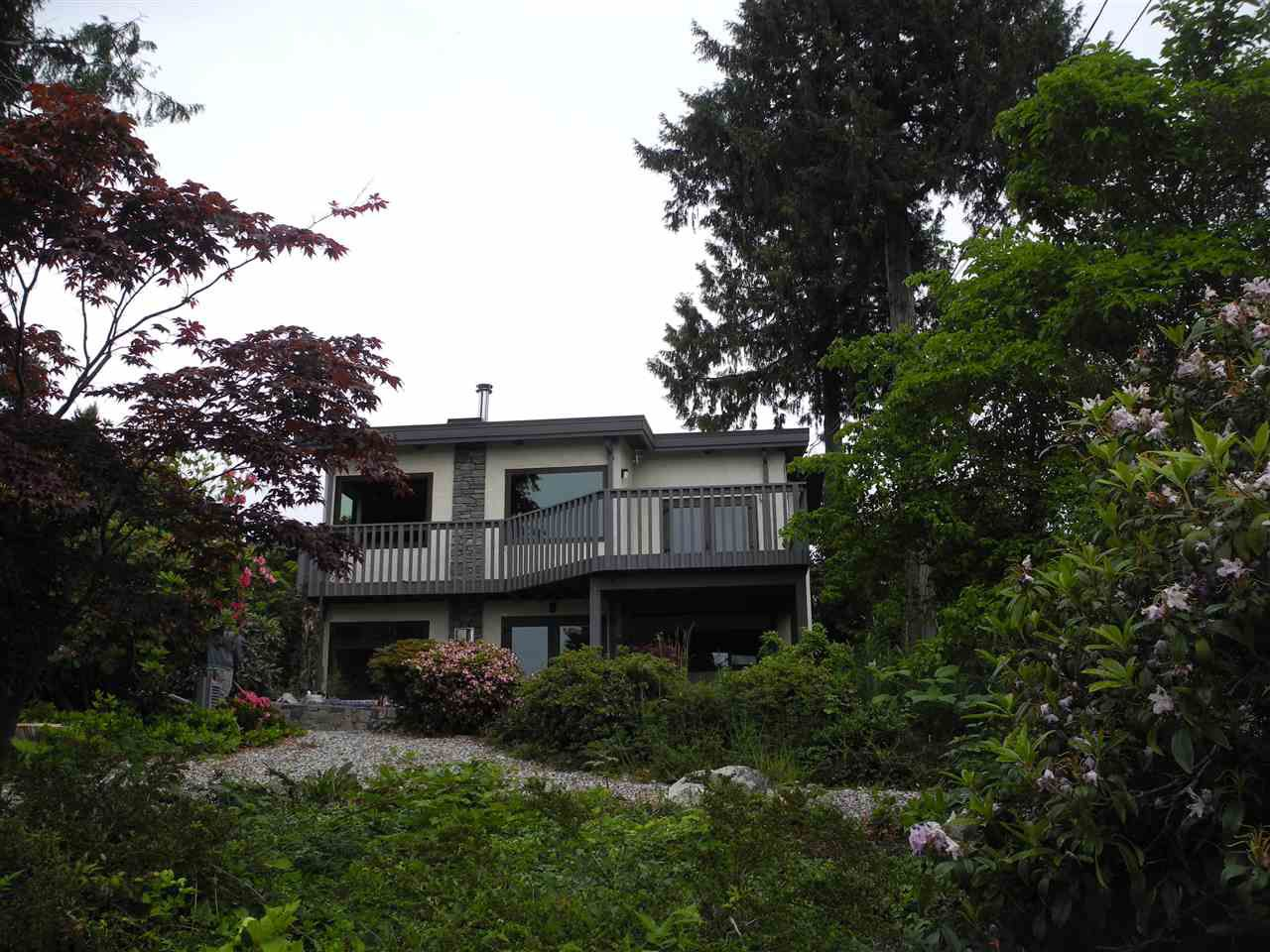 "Main Photo: 4780 FIR Road in Sechelt: Sechelt District House for sale in ""DAVIS BAY"" (Sunshine Coast)  : MLS®# R2070923"