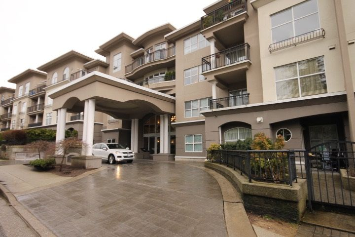 """Main Photo: 121 1185 PACIFIC Street in Coquitlam: North Coquitlam Condo for sale in """"CENTREVILLE"""" : MLS®# R2146564"""