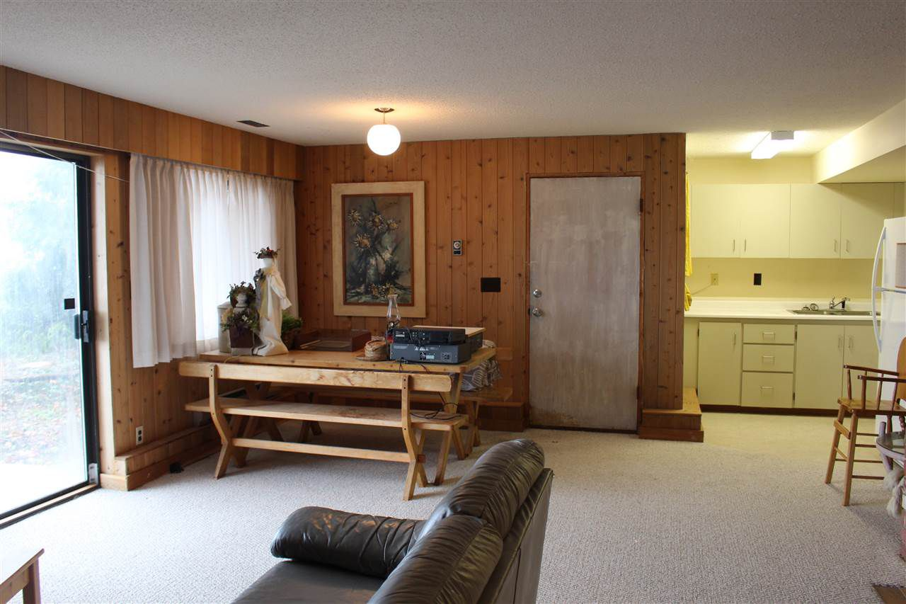 """Photo 11: Photos: 2027 CASSIDY Road: Roberts Creek House for sale in """"CLOSE TO CAMP BYNG"""" (Sunshine Coast)  : MLS®# R2223864"""
