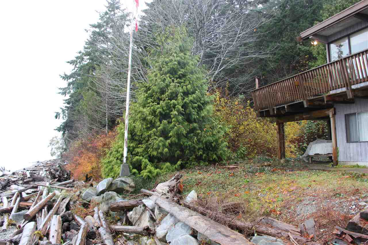 "Main Photo: 2027 CASSIDY Road: Roberts Creek House for sale in ""CLOSE TO CAMP BYNG"" (Sunshine Coast)  : MLS®# R2223864"
