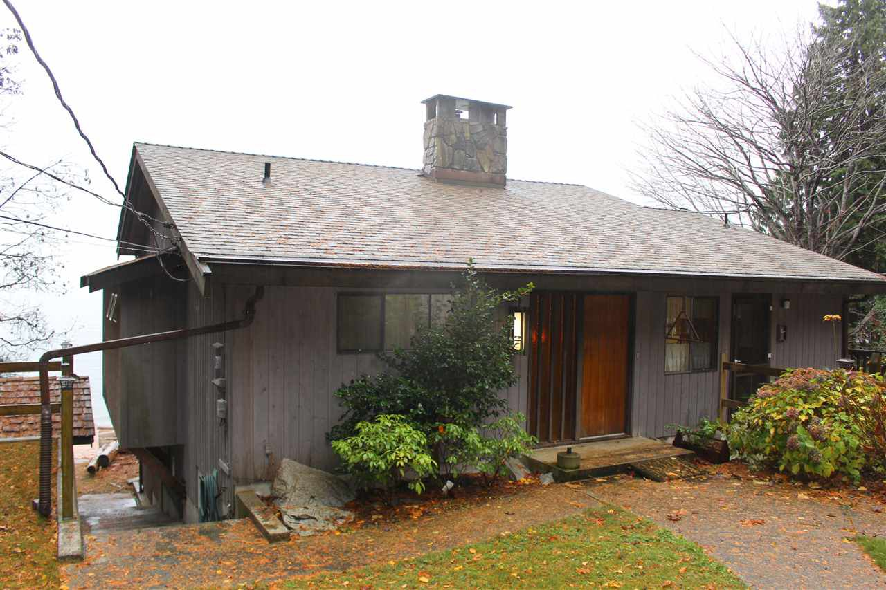 """Photo 3: Photos: 2027 CASSIDY Road: Roberts Creek House for sale in """"CLOSE TO CAMP BYNG"""" (Sunshine Coast)  : MLS®# R2223864"""