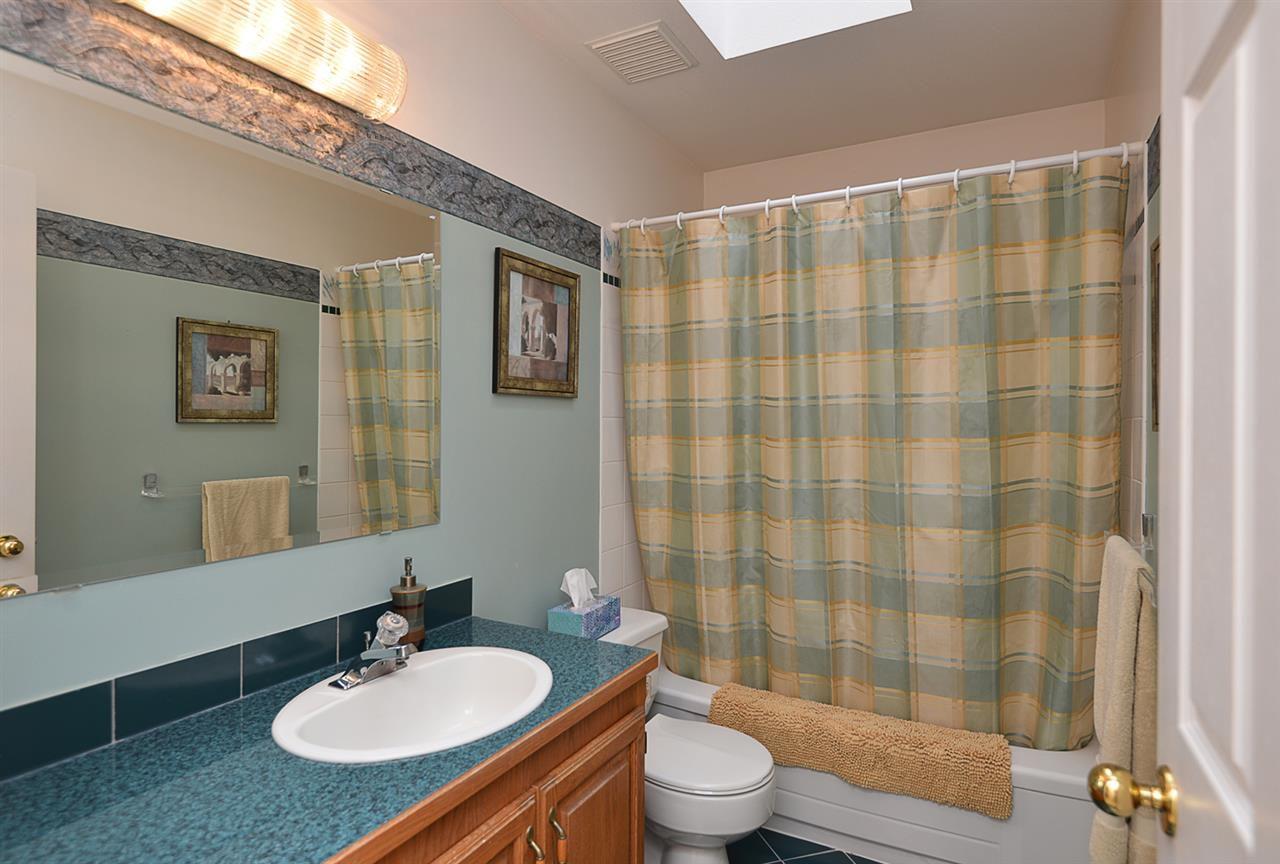 "Photo 13: Photos: 9200 REGAL Road in Halfmoon Bay: Halfmn Bay Secret Cv Redroofs House for sale in ""Curran Rd subdivision"" (Sunshine Coast)  : MLS®# R2243491"