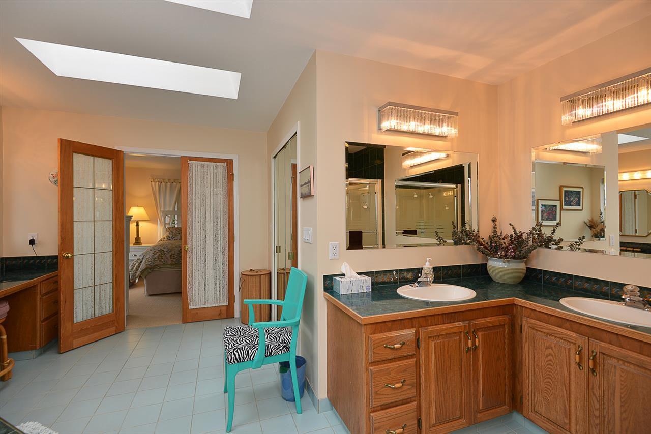 "Photo 9: Photos: 9200 REGAL Road in Halfmoon Bay: Halfmn Bay Secret Cv Redroofs House for sale in ""Curran Rd subdivision"" (Sunshine Coast)  : MLS®# R2243491"