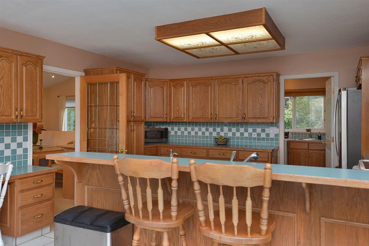 "Photo 7: Photos: 9200 REGAL Road in Halfmoon Bay: Halfmn Bay Secret Cv Redroofs House for sale in ""Curran Rd subdivision"" (Sunshine Coast)  : MLS®# R2243491"