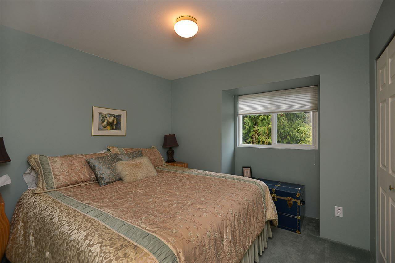 "Photo 11: Photos: 9200 REGAL Road in Halfmoon Bay: Halfmn Bay Secret Cv Redroofs House for sale in ""Curran Rd subdivision"" (Sunshine Coast)  : MLS®# R2243491"
