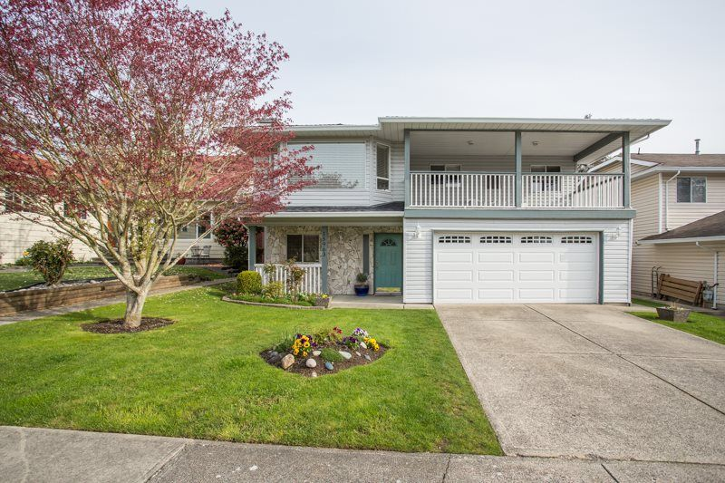 Main Photo: 15963 ROPER Avenue in Surrey: White Rock House for sale (South Surrey White Rock)  : MLS®# R2258864