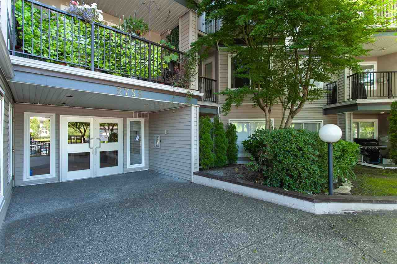 """Main Photo: 110 5759 GLOVER Road in Langley: Langley City Condo for sale in """"College Court"""" : MLS®# R2297215"""