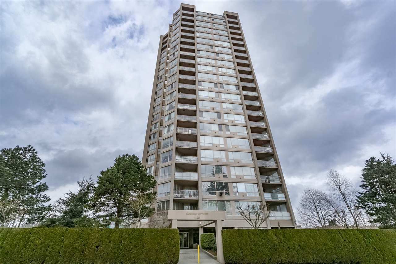 "Main Photo: 1606 14881 103A Avenue in Surrey: Guildford Condo for sale in ""Sunwest Estates"" (North Surrey)  : MLS®# R2313907"