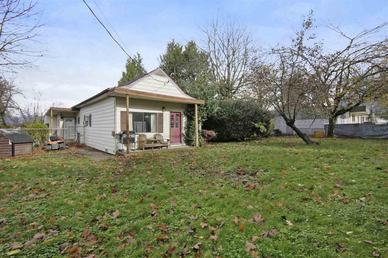 Main Photo: 51409 - 51423 YALE Road in Rosedale: Rosedale Popkum House Duplex for sale : MLS®# R2319492