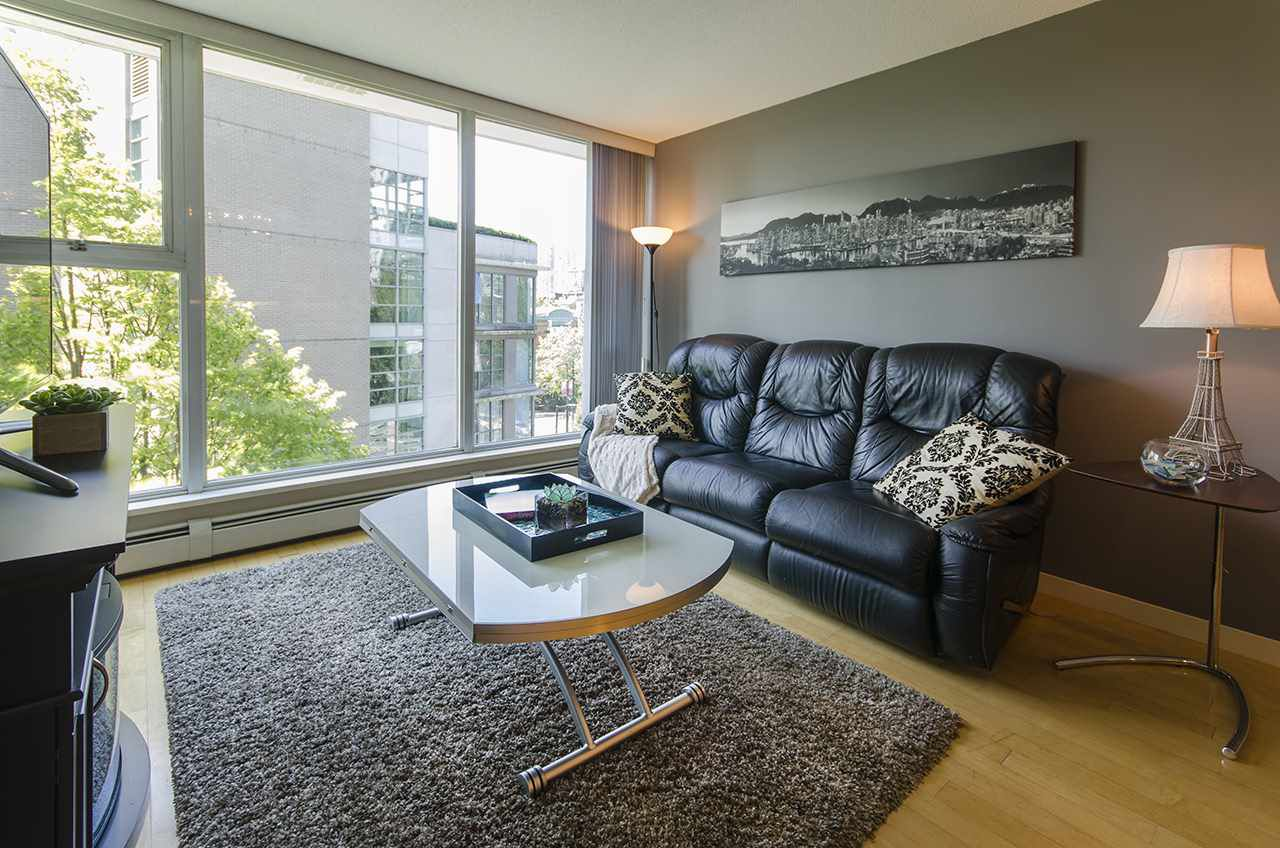 """Main Photo: 707 1008 CAMBIE Street in Vancouver: Yaletown Condo for sale in """"Waterworks"""" (Vancouver West)  : MLS®# R2092639"""