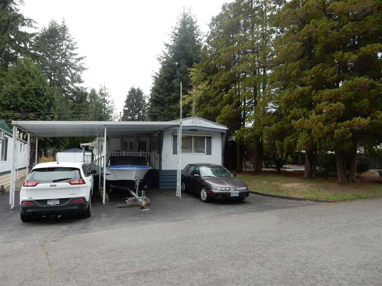 "Main Photo: 48 15820 FRASER Highway in Surrey: Fleetwood Tynehead Manufactured Home for sale in ""Greentree"" : MLS®# R2114123"