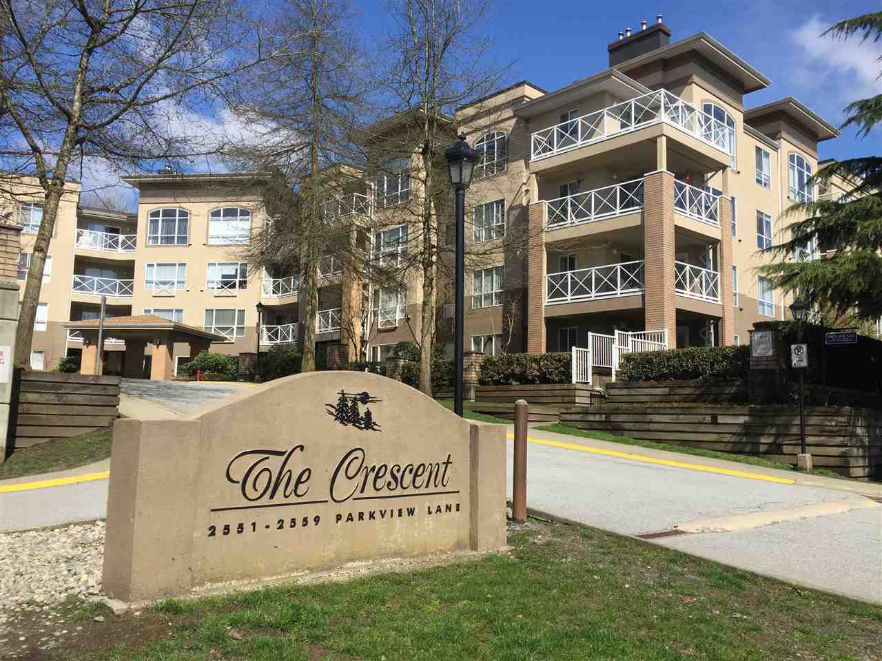 "Main Photo: 216 2559 PARKVIEW Lane in Port Coquitlam: Central Pt Coquitlam Condo for sale in ""THE CRESCENT"" : MLS®# R2156465"