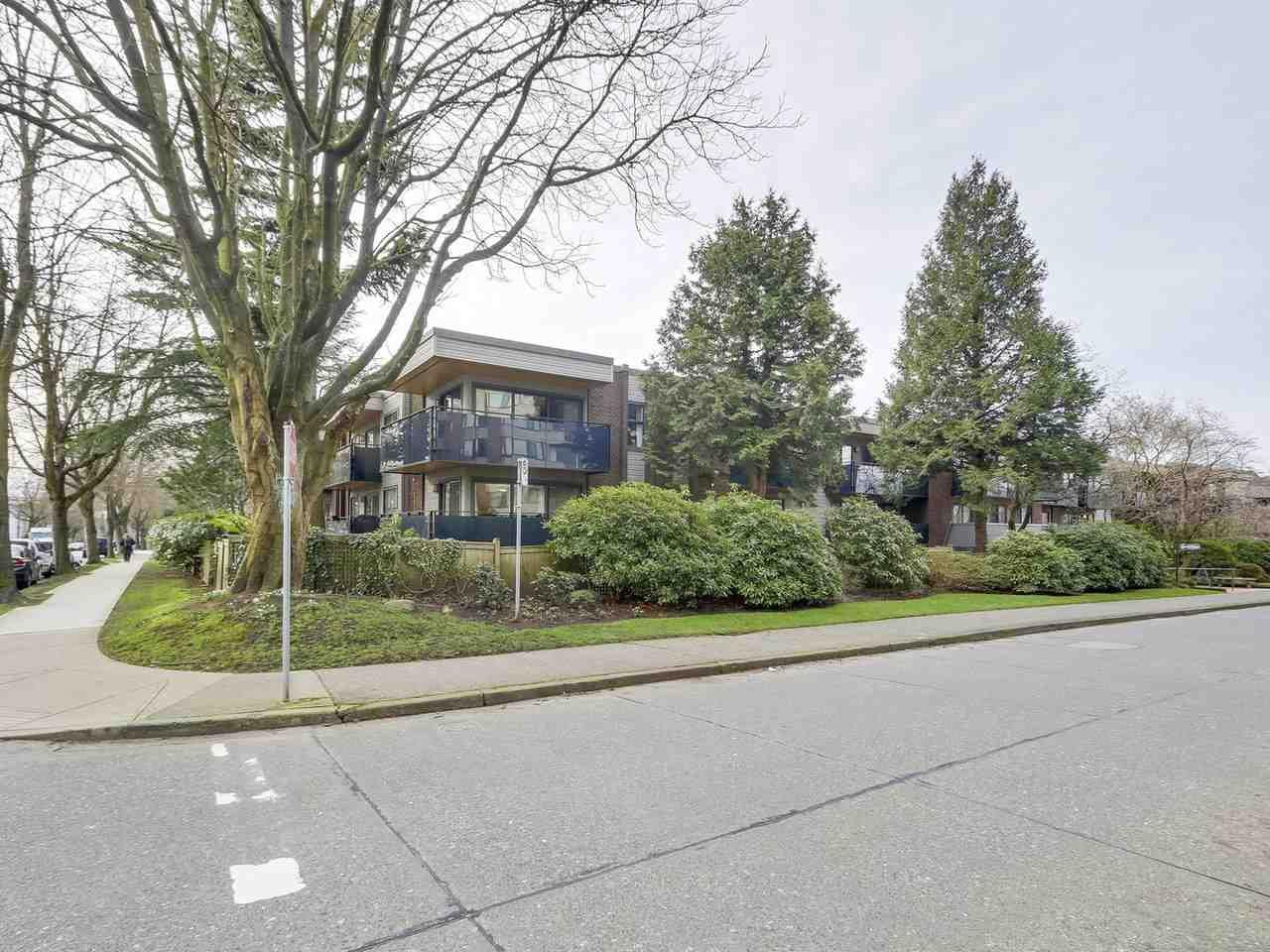 Main Photo: 105 2416 W 3RD Avenue in Vancouver: Kitsilano Condo for sale (Vancouver West)  : MLS®# R2239626