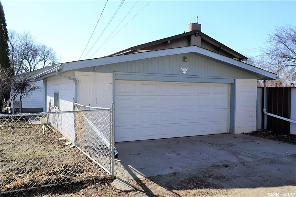Photo 18: Photos: 1130 I Avenue North in Saskatoon: Hudson Bay Park Residential for sale : MLS®# SK727042