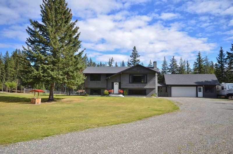 "Main Photo: 3283 BROUSE Road: 150 Mile House House for sale in ""Borland Valley"" (Williams Lake (Zone 27))  : MLS®# R2337243"