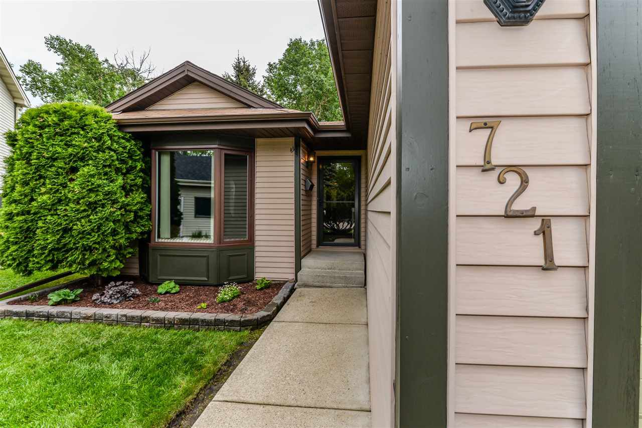 Main Photo: 721 WELLINGTON Lane: Sherwood Park House for sale : MLS®# E4161738