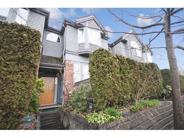 "Main Photo: 2 5820 DOVER Crescent in Richmond: Riverdale RI Townhouse for sale in ""DOVER GARDENS"" : MLS®# V876079"