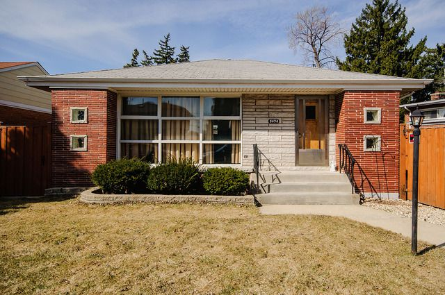 Main Photo: 5474 Oconto Avenue in CHICAGO: CHI - Norwood Park Single Family Home for sale ()  : MLS®# 08943409