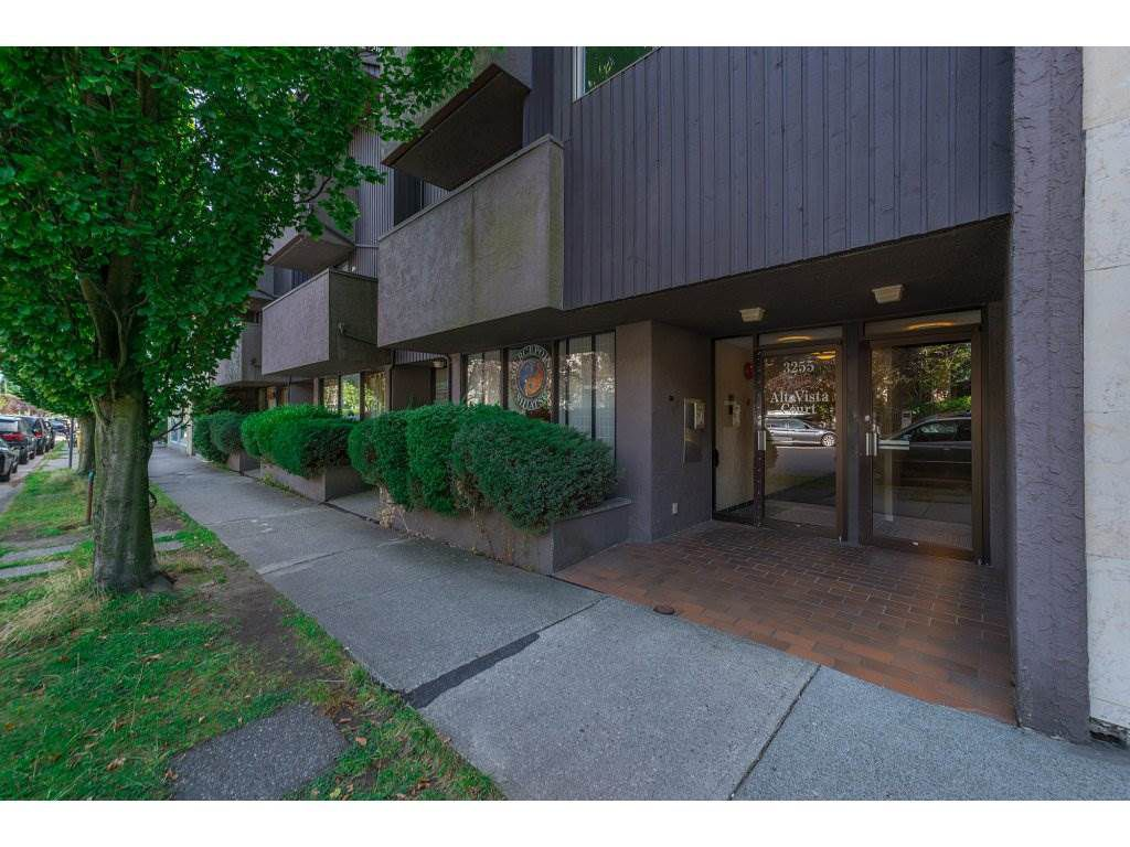 "Main Photo: 203 3255 HEATHER Street in Vancouver: Cambie Condo for sale in ""Alta Vista Court"" (Vancouver West)  : MLS®# R2197183"