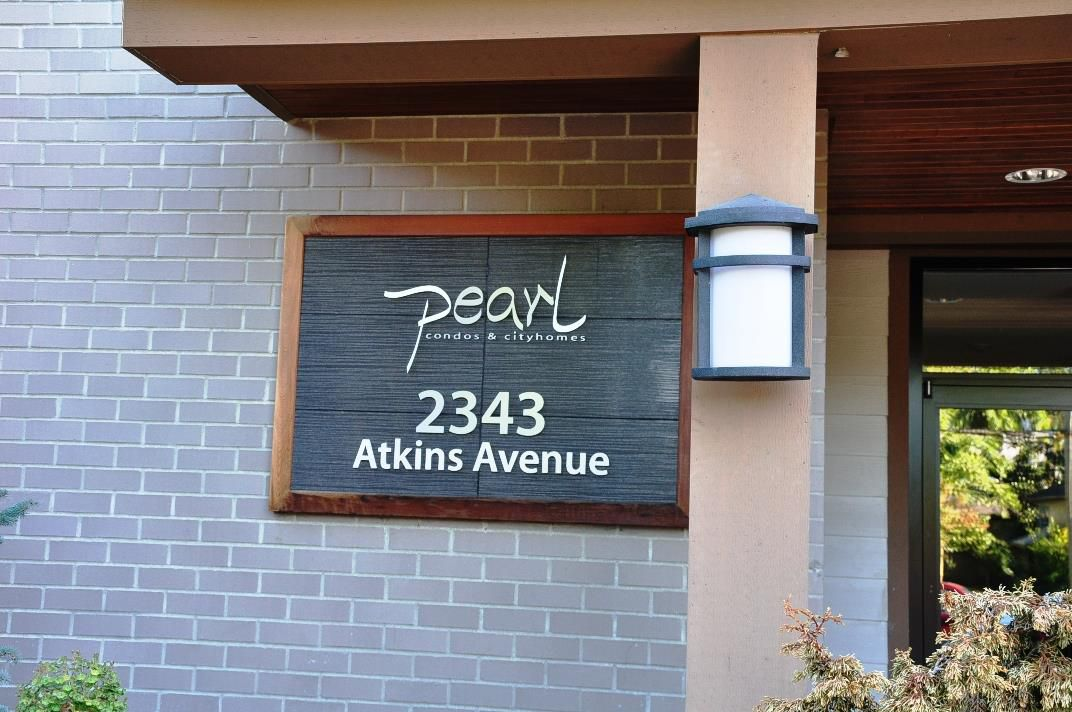 "Main Photo: 103 2343 ATKINS Avenue in Port Coquitlam: Central Pt Coquitlam Condo for sale in ""THE PEARL"" : MLS®# R2203416"