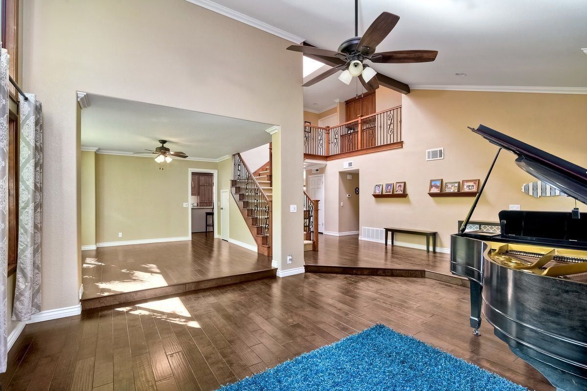 Photo 4: Photos: SCRIPPS RANCH House for sale : 4 bedrooms : 9820 Caminito Munoz in San Diego