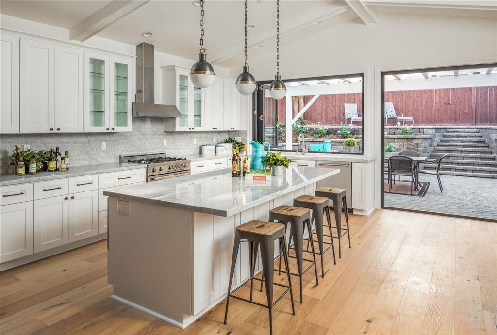 Main Photo: ENCINITAS House for sale : 4 bedrooms : 746 devonshire