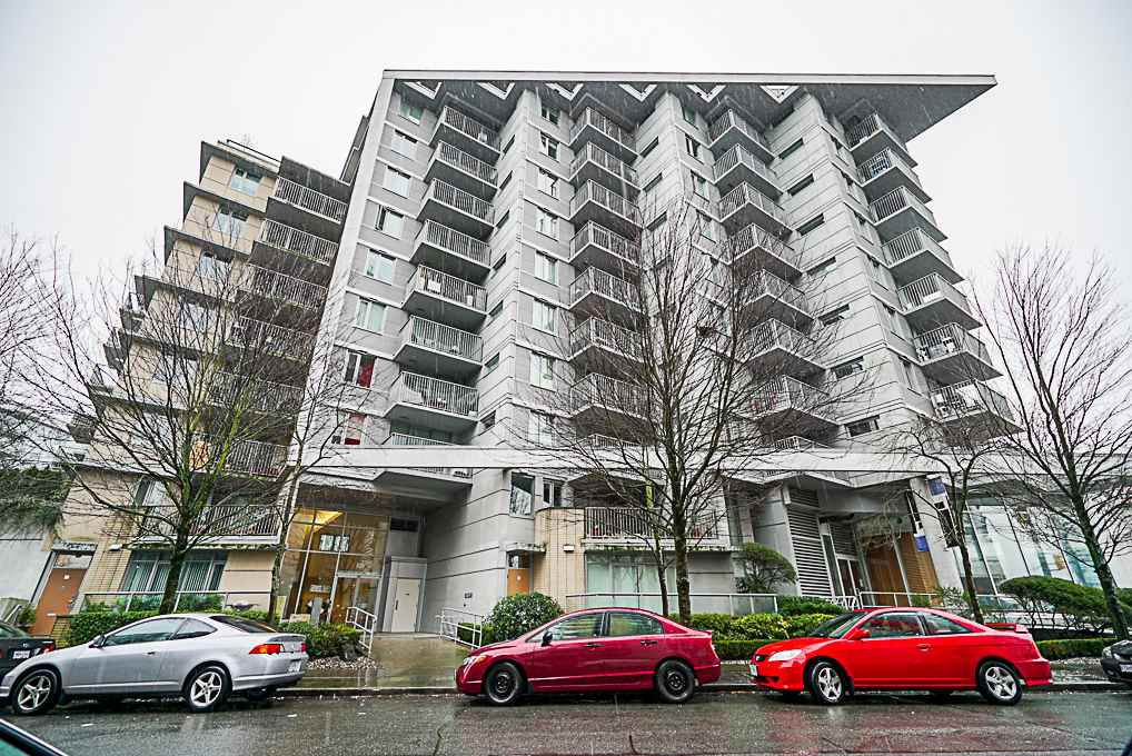 "Main Photo: 906 328 E 11TH Avenue in Vancouver: Mount Pleasant VE Condo for sale in ""UNO"" (Vancouver East)  : MLS®# R2329083"