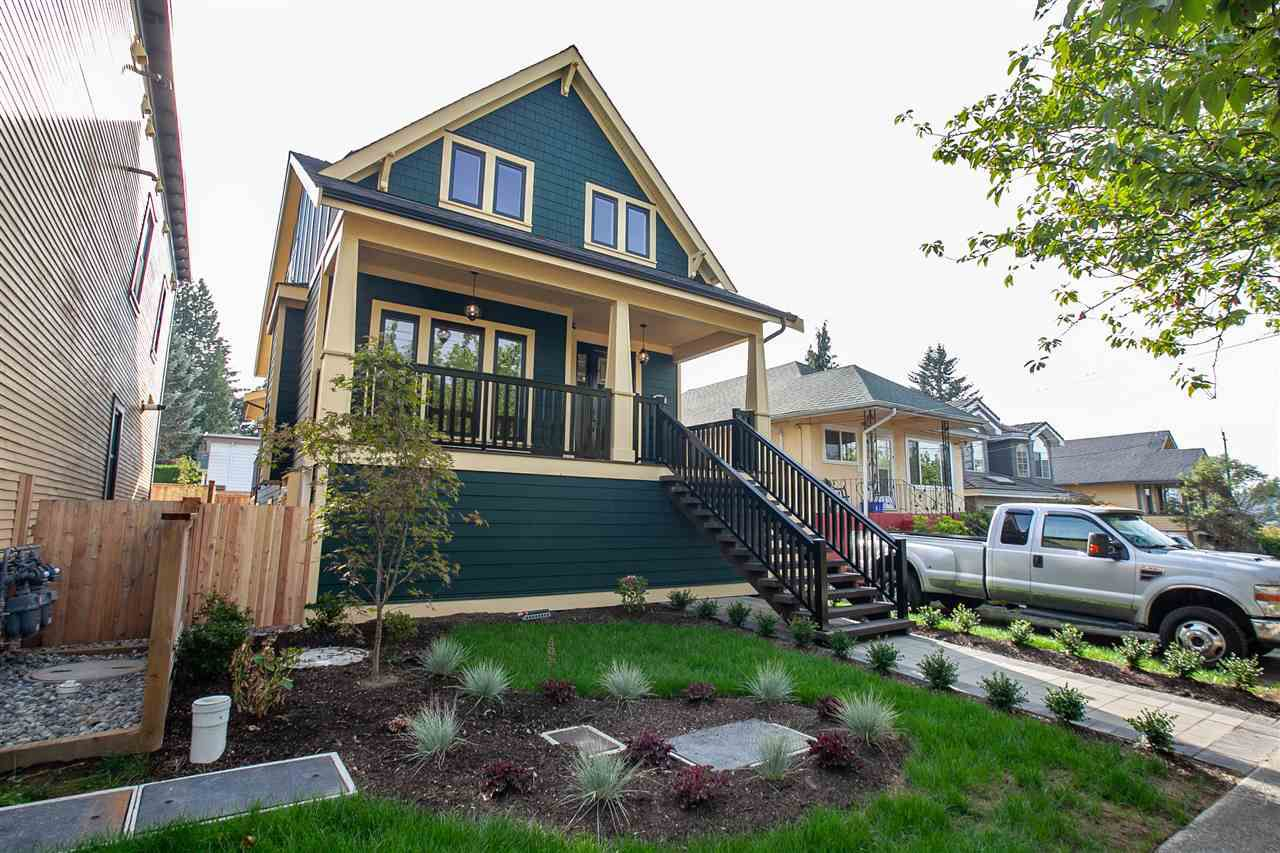 """Main Photo: 722 SECOND Street in New Westminster: GlenBrooke North House for sale in """"Glenbrooke North"""" : MLS®# R2333102"""