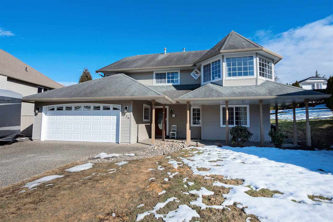 """Main Photo: 5650 THORNHILL Street in Sardis: Promontory House for sale in """"PROMONTORY HEIGHTS"""" : MLS®# R2347811"""