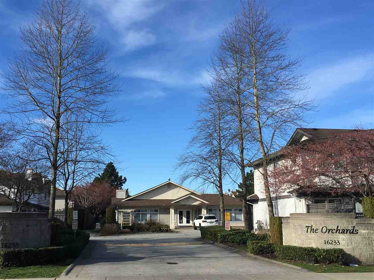 "Main Photo: 403 16233 82 Avenue in Surrey: Fleetwood Tynehead Townhouse for sale in ""The Orchards"" : MLS®# R2351845"