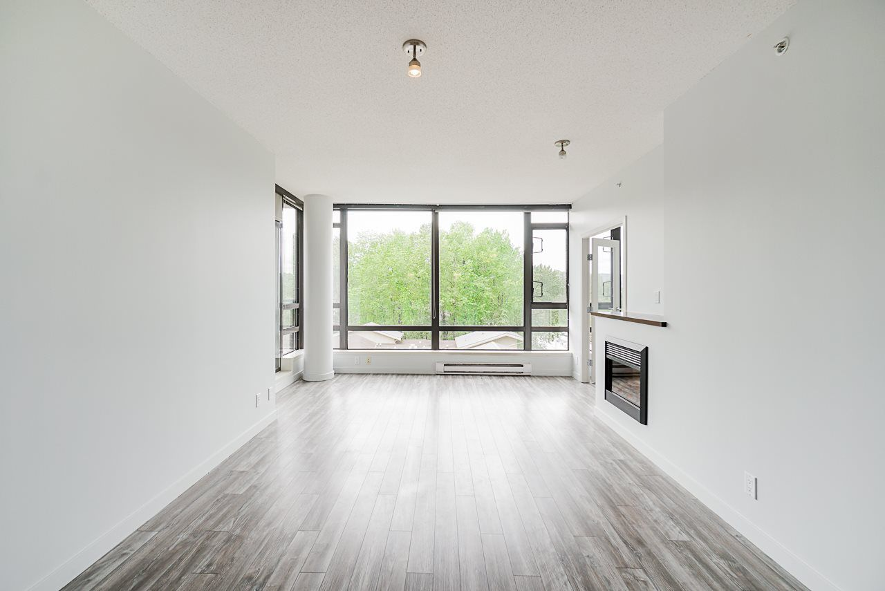 """Photo 4: Photos: 605 110 BREW Street in Port Moody: Port Moody Centre Condo for sale in """"ARIA 1"""" : MLS®# R2370460"""